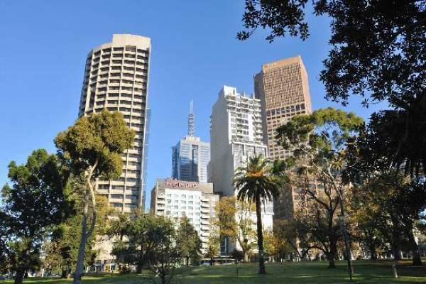 mercure-melbourne-treasury-gardens-01.jpg