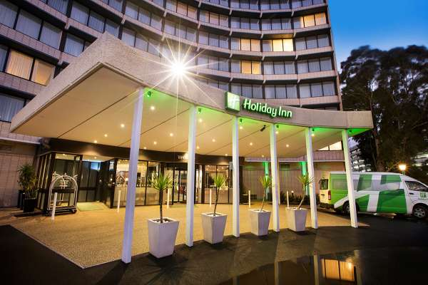 holiday-inn-melbourne-airport-01.jpg